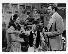 Howard Keel, Kathryn Grayson & Joe E Brown in Show Boat Golden Age Of Hollywood, Vintage Hollywood, Classic Hollywood, Movie Photo, Movie Tv, Polly Bergen, Kathryn Grayson, Howard Keel, Deanna Durbin
