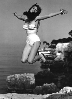 Brigitte Bardot - Philippe Halsman's Jump Book