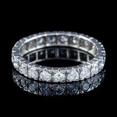 VINTAGE FRENCH DIAMOND FULL ETERNITY RING PLATINUM 2.20CT OF DIAMOND CIRCA 1920 front Antique Diamond Rings, Antique Engagement Rings, Full Eternity Ring, Free Ring, Perfect Engagement Ring, French Vintage, Diamond Cuts, Antique Jewelry, Old Jewelry