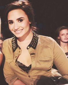 Demi Lovato, jacket love