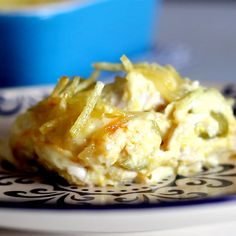 How to make Creamy Chicken Bake, aka Chicken Fricassee - I like the idea of the corn, cream cheese and maybe almond milk for a base casserole with chicken. Good Food, Yummy Food, Tasty, Creamy Chicken Bake, Chicken Fricassee, Chicken Fricasse Recipe, Baked Chicken Recipes, Food Videos, Baking Recipes