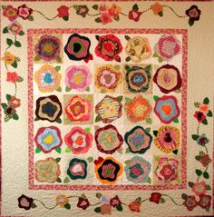 french roses quilt pattern | also love this quilt called The Tudor Rose but think its a bit out ...