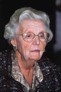 Prinses Juliana, past queen of the Netherlands. She was the mother of all Dutches Juliana Louise, Emma Marie, Dutch Queen, Dutch Royalty, Royal Princess, Ageless Beauty, Nassau, Netherlands, Celebrities