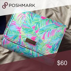 Lilly Pulitzer make up case New Lilly Pulitzer Bags