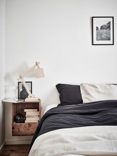 Interior styling, natural, neutral, bedroom, eclectic, bright, comfortable, casual, relaxed, accessories, interior design, white, bright, side table, sweden, minimalistic, minimalism