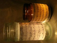 Bladmuziek, glazen potje, modpodge en een waxinelichtje