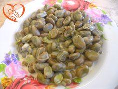 Fave con salsa di formaggi http://www.cuocaperpassione.it/ricetta/f1291f4c-9f72-6375-b10c-ff0000780917/Fave_con_salsa_di_formaggi