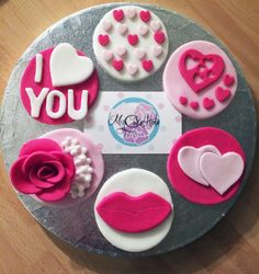 Valentines Cupcake Toppers (Love, Hearts, I love you, gifts, cake toppers, baking, cooking)