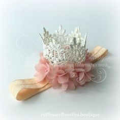 Every princess needs a crown, right? This crown will make a statement at her birthday party, newborn photos, dress up or even as her cake topper... This beautiful lace crown is made from ornate croche