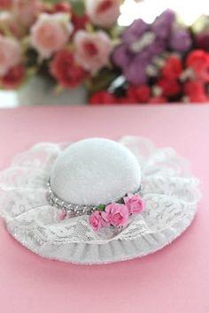 Şapka İğnelik-İğnedanlık Beyaz