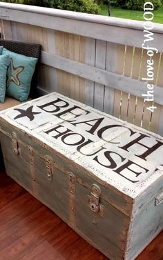 Painted Trunk Makeover from Completely Coastal. Beach Cottage Style, Coastal Cottage, Beach House Decor, Coastal Style, Coastal Decor, Beach Condo, Painted Suitcase, Painted Trunk, Painted Metal