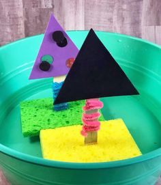 Floating Boat A Craftivity For Kids: A craft turned activity that includes crafts, STEM, and of course FUN! Preschool Projects, Toddler Activities, Projects For Kids, Preschool Activities, Kindergarten Science, Boat Crafts, Camping Crafts, Summer Crafts, Toddler Art