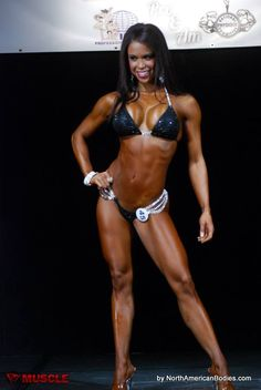 India Paulino IFBB Pro takes 1st at the 2015 IFBB Miami Muscle Beach.