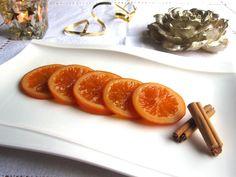 Candied oranges Receta fácil para preparar unas riquísimas naranjas confitadas que luego se pueden utilizar para elaborar otros dulces como el Roscón de Reyes.