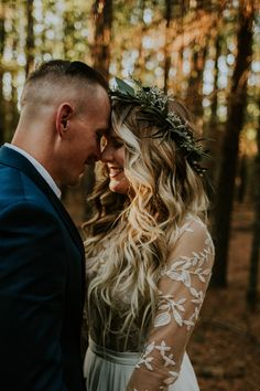 This ranch wedding in Oklahoma features cozy ceremony décor details like vintage brass, crocheted afghans, and mismatched area rugs. Vintage Wedding Hair, Boho Wedding, Wedding Day, Wedding Curls, Wedding Crowns, Budget Wedding, Wedding Tips, Wedding Photos, Long Loose Curls