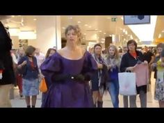 Wonderful flashmob Verdi, La Traviata - YouTube