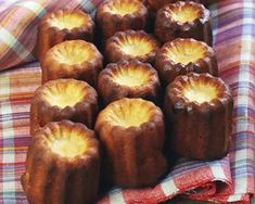 Mini-cannelés au chorizo et emmental au thermomix Cooking Trout, Cooking Bacon, Cooking Red Lentils, Cooking Hard Boiled Eggs, Cooking Fails, Cooking Classes Nyc, Bacon In The Oven, Finger Foods, Brunch