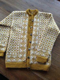 Per gynt K 367 Eldri/Turid 1069 S Fair Isle Knitting Patterns, Knitting Designs, Knitting Ideas, Bunt, Hand Knitting, Ravelry, Crochet, Sweaters, Google