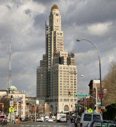 Williamsburgh Savings Bank Tower, New York, 1929, Halsey, McCormack and Helmer  photo https://carbonocracy.com/tag/small-business/
