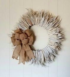 dried cotton burr and okra wreaths Okra Crafts, Home Crafts, Fun Crafts, Wreath Crafts, Diy Wreath, Wreath Making, Door Wreaths, Harvest Crafts, Halloween Gourds