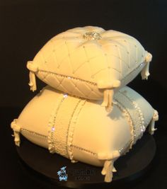 pillowweddingcake - Google Search