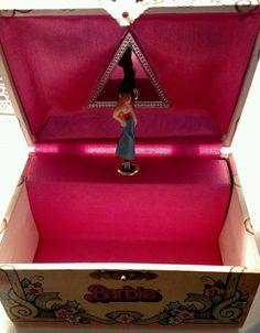 vintage Barbie musical jewelry box 1976 Musical jewelry box