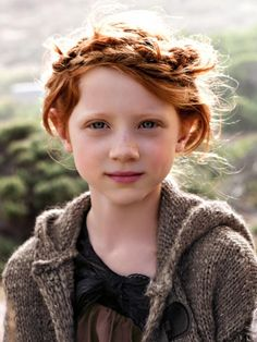 'Wee the faces, sweet and clear . always do we hold them dear' < little girl + blue eyes + freckles + red hair Pretty People, Beautiful People, Costume Noir, Beautiful Red Hair, Female Character Inspiration, Story Inspiration, Kid Character, Girls Characters, Beautiful Children