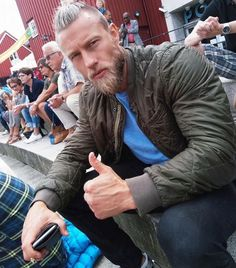Stian Bjornes Beard Styles For Men, Hair And Beard Styles, Viking Haircut, Sexy Bart, Beard Trend, Scruffy Men, Handsome Man, Beard Tattoo, Raining Men
