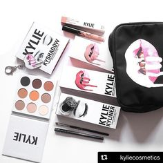 It is the end of @kyliejenner's 12 days of Christmas! 🎅⛄️ On the final day @kyliecosmetics have released 2 new holiday bundles full of fans favourites such as the Koko lip kit! 🎉  #boutiquesocial #kyliejenner #kyliecosmetics #kylielipkit #love #beautiful #girl #cosmetics #makeup #skincare #fashion #smile #christmas #instamakeup #style #instagood #amazing #gift #women #men #happy #confidence #cute