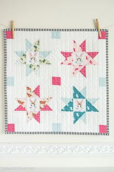 Cute Mini Quilt made with Wonderland Fabric from Riley Blake Designs #iloverileyblake