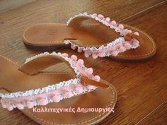 Romantic sandals - pink pom-pom, white lace