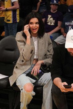Kendall Jenner At Lakers Game In Los Angeles