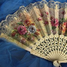 Vintage Ivory LACE Flowers ladies fan