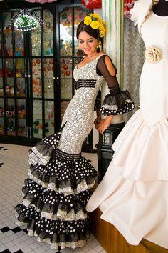 trajes de flamenca - Buscar con Google Spanish Dress Flamenco, Flamenco Skirt, Flamenco Dresses, Dance Outfits, Dance Dresses, Cute Dresses, Stunning Dresses, Beautiful Gowns, Flamenco Costume