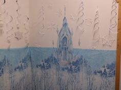 The Frozen ice castle, drawn by Casey (yes, she' available, just ask for contact infomation) added to the winterwonderland background in the small party room.  At Imagine: Play, McMinnville Oregon