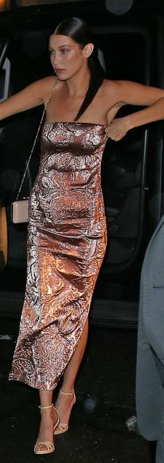 Who made  Bella Hadid's strapless dress?