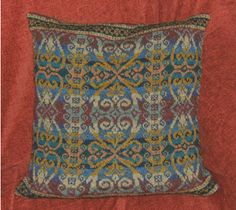 tudor cushion by Mini-Mum, via Flickr.  Alice Starmore pattern.