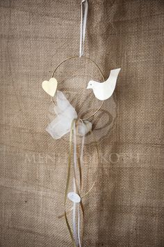 Handmade metalic wreath with heart and bird wedding favor Wedding Themes, Diy Wedding, Wedding Favors, Wedding Gifts, Wedding Stuff, Wedding Ideas, Baby Baptism, Christening, Candy Favors