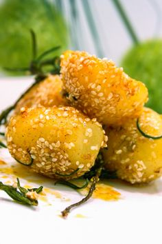 These Potatoes With Sesame Seeds, Rosemary & Paprika are a different way to have potatoes.   They're not boring! #potatorecipes