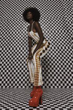 Portrait Editorial, Editorial Photography, Editorial Fashion, Fit Women, Black Women, Diy Photo Backdrop, Women's Shooting, Photoshoot Concept, Fitness Photoshoot