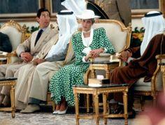 1986-11-17 Diana and Charles are welcomed to Riyadh, Saudi Arabia, by Prince Sultan Bin Salman