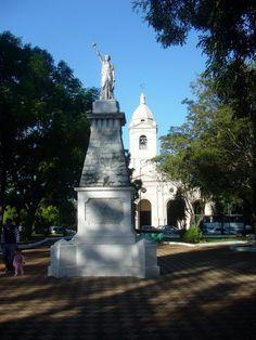 Die Plaza de Libertad in Villarrica Paraguay