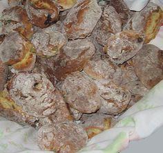 Receita de Merendeiras dos Santos (Leiria) | Doces Regionais Biscuits, Diet Pills That Work, Most Effective Diet, Portuguese Recipes, Portuguese Food, Xmas Food, Sweet Pie, Desert Recipes, Soul Food