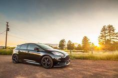 Morning thrills.   : @5000feet  #Ford #FocusST #FoST #STNation #Arizona #HotHatch #sunrise #goodmorning