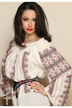 Ie Romaneasca Traditionala Maneca Lunga Coarnele Berbecului Folk Fashion, Ethnic Fashion, Woman Fashion, Bohemian Costume, Romanian Girls, Ukraine Women, Caftan Dress, Embroidered Clothes, Russian Fashion