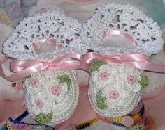Crochet Little Pixes Baby Booties by mycrochetboutique on Etsy