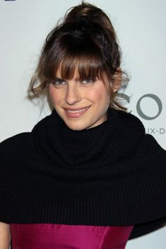 Lake Bell rocks a ponytail with bangs