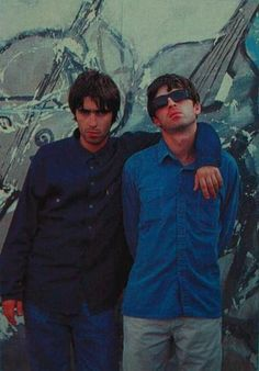 Liam Noel Gene Gallagher, Lennon Gallagher, Liam Gallagher Oasis, Great Bands, Cool Bands, Liam And Noel, Oasis Band, Brotherly Love, Britpop