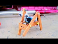 Make A Robot, Robots For Kids, Homemade Toys, Science, Jouer, Diy Toys, Linux, Coding, Make It Yourself