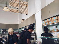 跟當地的上班族一起排藍瓶子咖啡 #bluebottlecoffee #bluebottle #sanfrancisco #coffeegram #california #travelgram by neptune0214